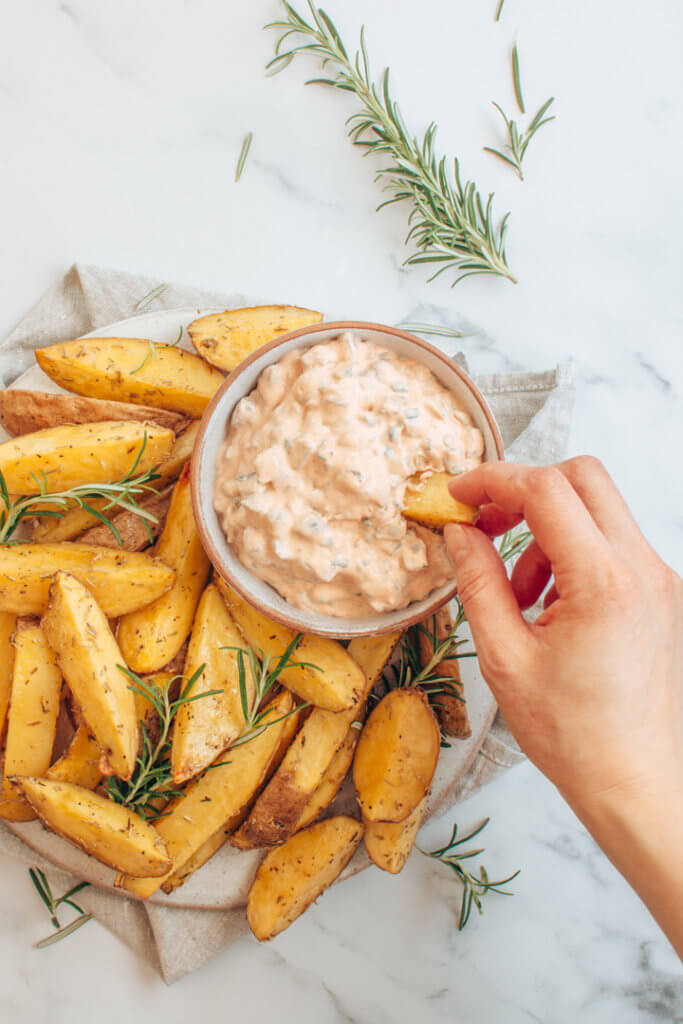 Rosmarinkartoffeln mit Kräuterquark Rezeptbild